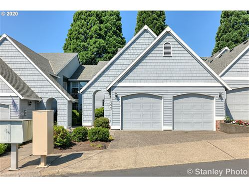 Photo of 15434 SW FOUNTAINWOOD PL, Tigard, OR 97224 (MLS # 20345401)