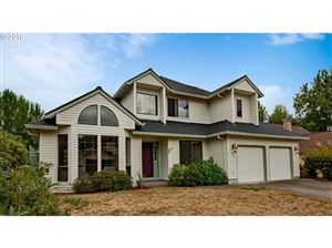 Photo of 17450 NW WOODMERE CT, Beaverton, OR 97006 (MLS # 19226403)