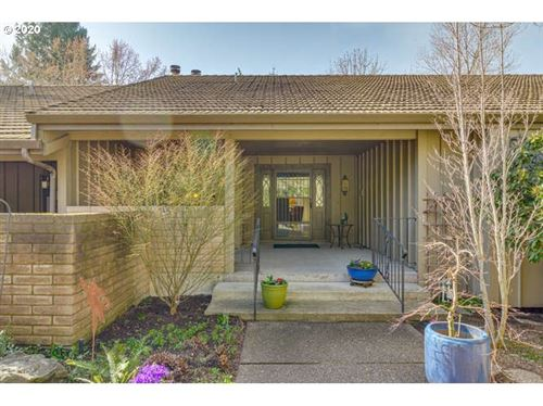 Photo of 1013 NW SPRINGWOOD LN, McMinnville, OR 97128 (MLS # 20422403)