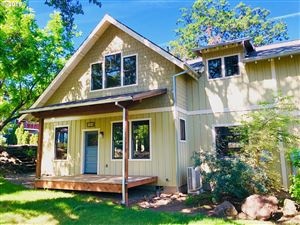 Photo of 1810 Columbia ST, Hood River, OR 97031 (MLS # 18512404)