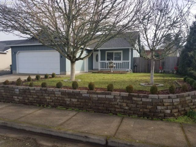 Photo for 692 N 1ST ST, Creswell, OR 97426 (MLS # 21041405)