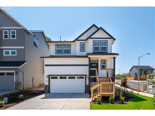 Photo of 326 E Taylor DR, Newberg, OR 97132 (MLS # 19053406)