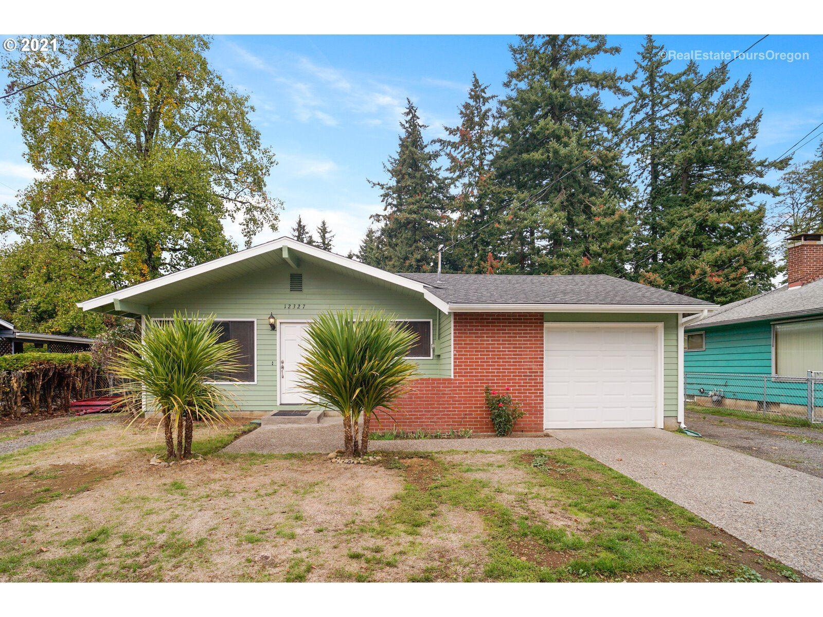 12327 SE RAYMOND ST, Portland, OR 97236 - MLS#: 21585406