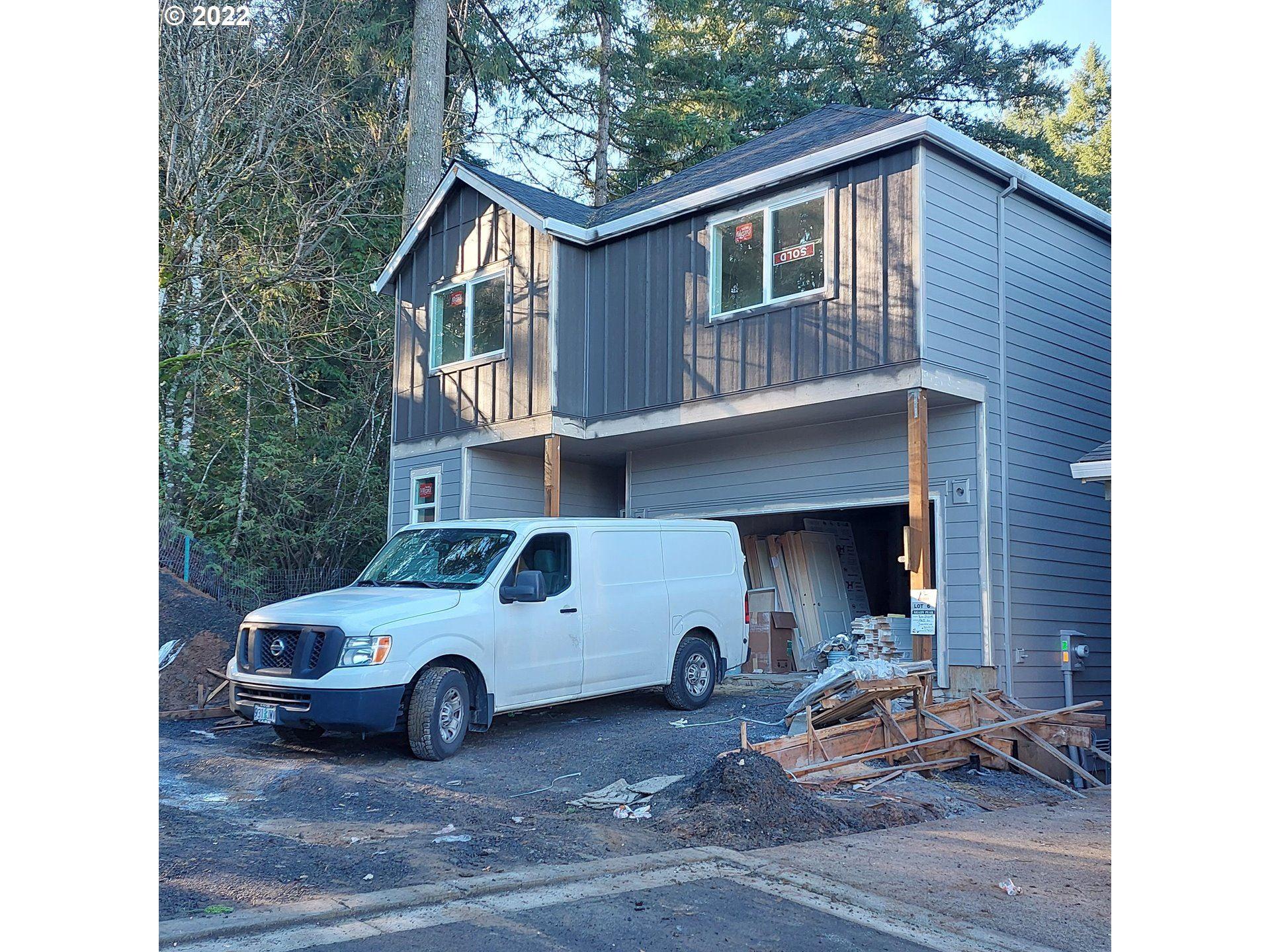 Photo of 17622 SW Sunview LN, Beaverton, OR 97007 (MLS # 21233407)
