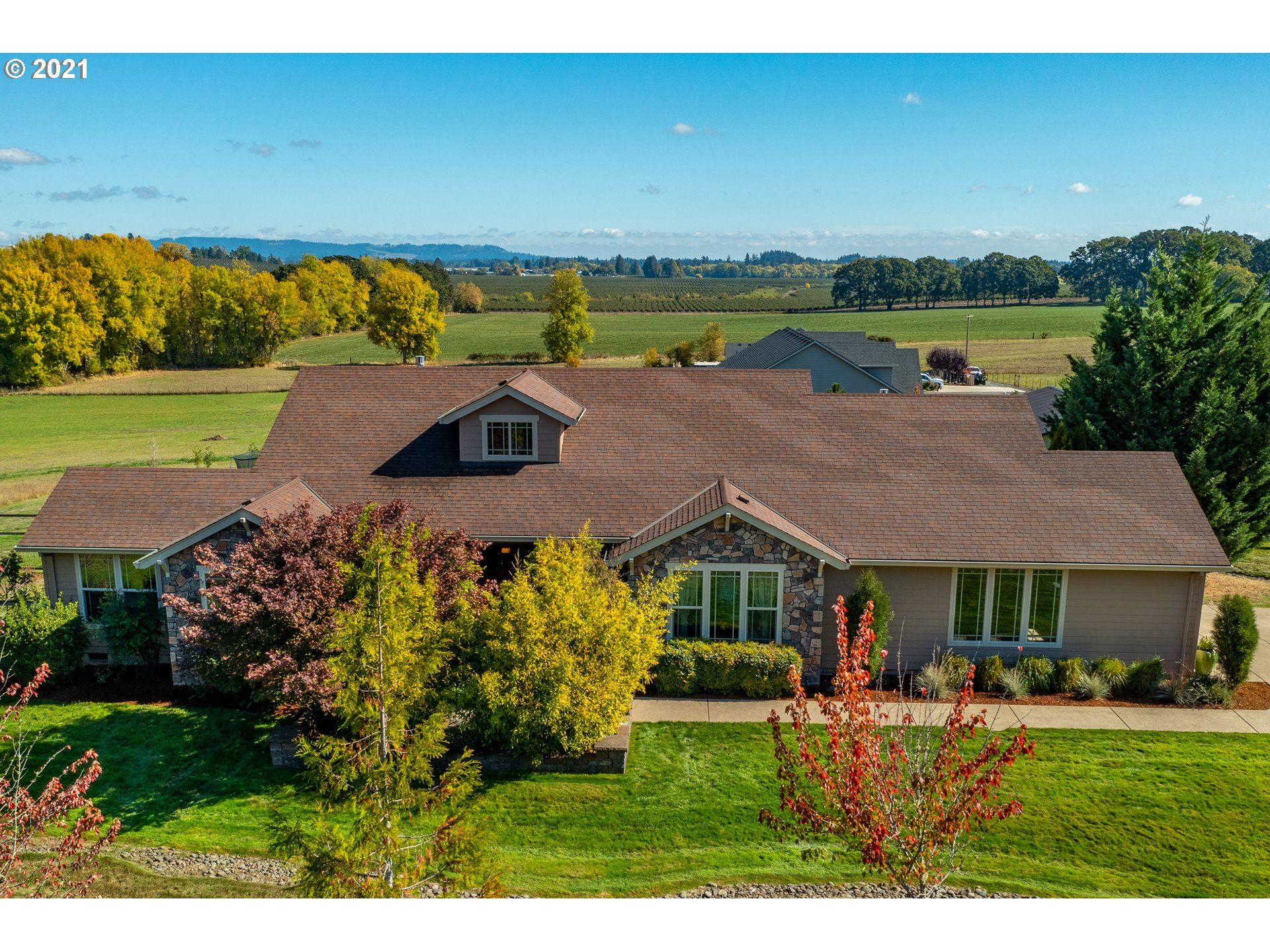 Photo of 13730 NW ORCHARD VIEW RD, McMinnville, OR 97128 (MLS # 21205409)