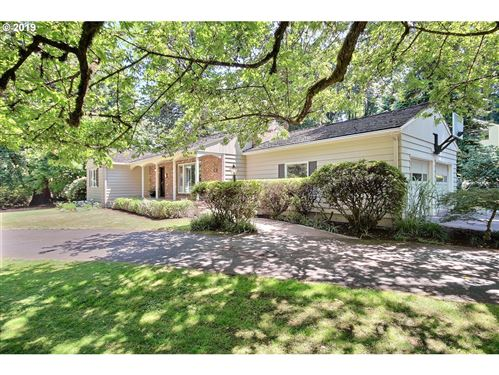 Photo of 99 SW MIDVALE RD, Portland, OR 97219 (MLS # 20649410)
