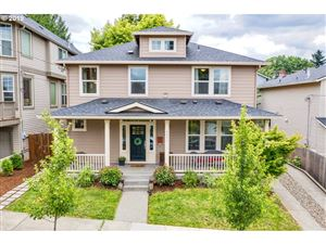 Photo of 4060 SE MALL ST, Portland, OR 97202 (MLS # 19500411)