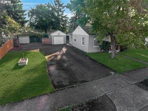 Photo of 6604 SE 84TH AVE, Portland, OR 97266 (MLS # 19302412)