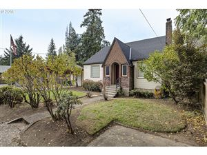 Photo of 3082 SUNSET DR, Forest Grove, OR 97116 (MLS # 19378412)