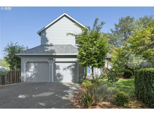 Photo of 180 NW 147th PL, Beaverton, OR 97006 (MLS # 20365413)