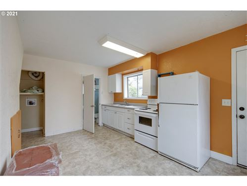 Tiny photo for 5002 NE PRESCOTT ST, Portland, OR 97218 (MLS # 21453413)