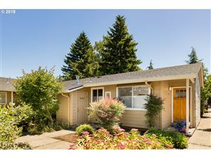 Photo of 106 SE 73RD AVE, Portland, OR 97215 (MLS # 19127414)