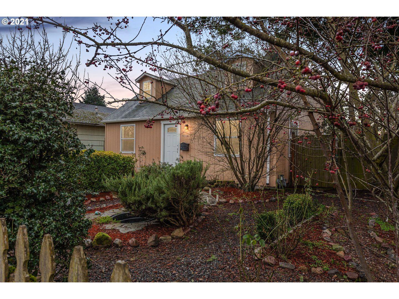 9004 SE PINE ST, Portland, OR 97216 - MLS#: 21536414