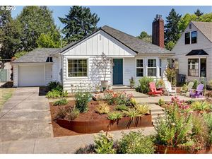 Photo of 4816 NE 40TH AVE, Portland, OR 97211 (MLS # 19298415)