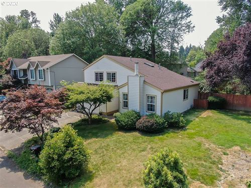 Photo of 14017 SE 116TH AVE, Clackamas, OR 97015 (MLS # 20492415)