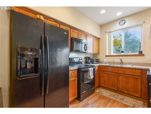 Tiny photo for 417 SW PEMBERLY LOOP, McMinnville, OR 97128 (MLS # 21113415)