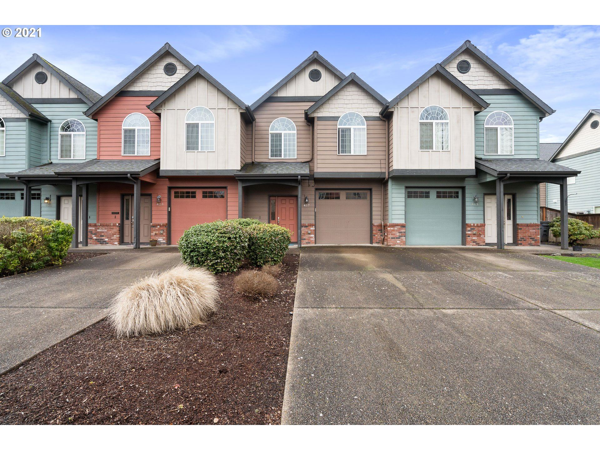 Photo for 417 SW PEMBERLY LOOP, McMinnville, OR 97128 (MLS # 21113415)
