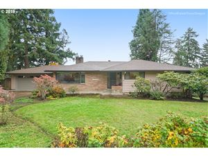 Photo of 504 MEADOW VIEW RD, Forest Grove, OR 97116 (MLS # 19564416)