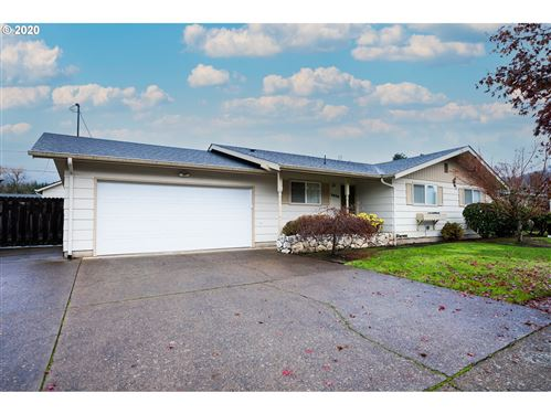 Photo of 3828 WINSLOW AVE, Springfield, OR 97477 (MLS # 20234417)