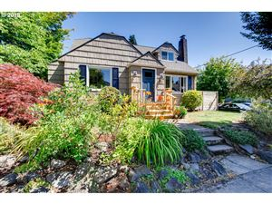 Photo of 5253 N YALE ST, Portland, OR 97203 (MLS # 19592420)