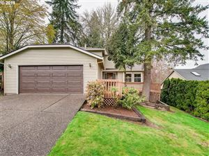 Photo of 2315 COLLEGE HILL PL, West Linn, OR 97068 (MLS # 19659421)
