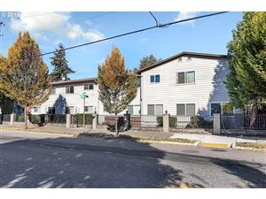 Photo of 9333 N LOMBARD ST 14 #14, Portland, OR 97203 (MLS # 19551422)
