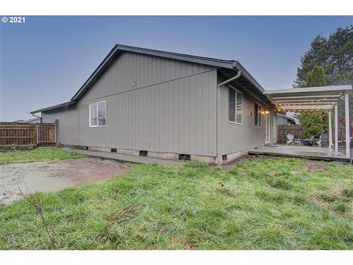 Tiny photo for 190 RAINBOW WAY, Kelso, WA 98626 (MLS # 21420423)