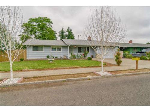 Photo of 16909 SE SALMON ST, Portland, OR 97233 (MLS # 20649426)