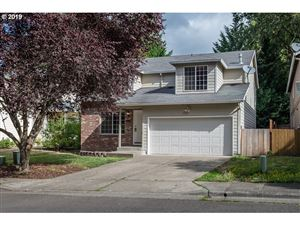 Photo of 7695 SW CHASE LN, Portland, OR 97223 (MLS # 19213427)