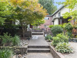 Photo of 908 SW GAINES ST, Portland, OR 97239 (MLS # 19472428)