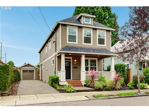 Photo of 17 NE 74TH AVE, Portland, OR 97213 (MLS # 19665429)