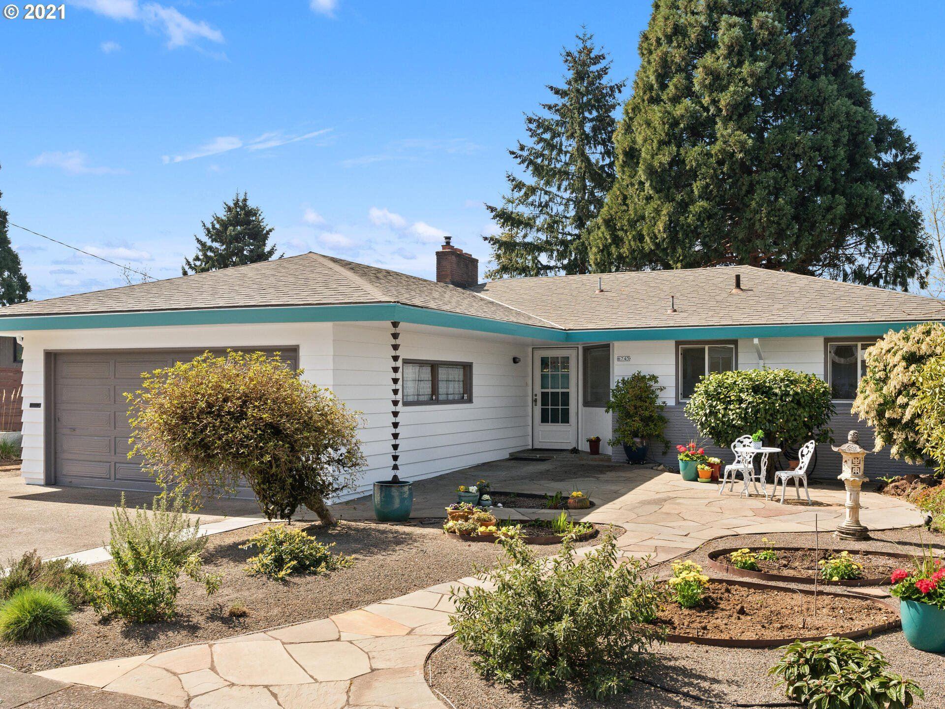 6745 SW 11TH DR, Portland, OR 97219 - MLS#: 21545434