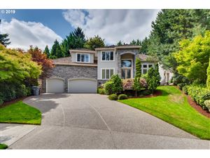 Photo of 3869 SOUTHHAMPTON CT, West Linn, OR 97068 (MLS # 19372436)