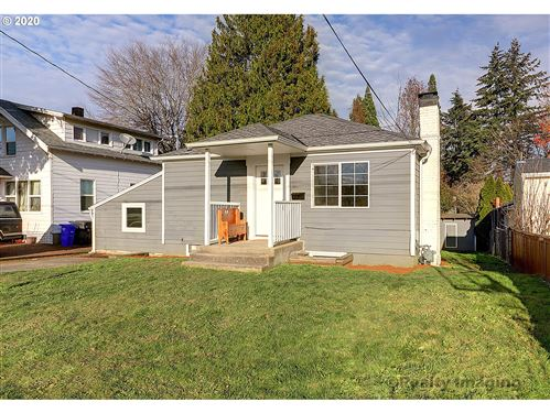 Photo of 19130 HOWELL ST, Gladstone, OR 97027 (MLS # 20490436)