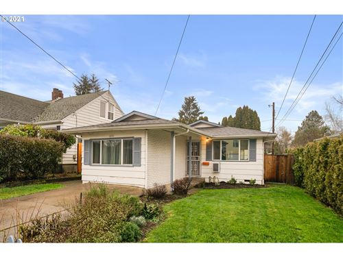 Photo of 4845 SE 52ND AVE, Portland, OR 97206 (MLS # 21697436)