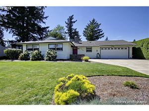 Photo of 559 SE 179TH AVE, Portland, OR 97233 (MLS # 19266438)