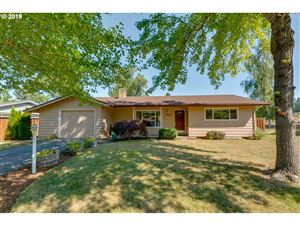 Photo of 10305 SW MEADOW ST, Tigard, OR 97223 (MLS # 19308439)