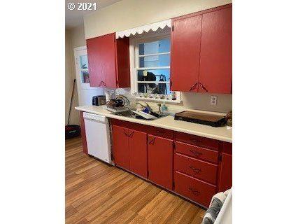 Photo of 3220 NE LONE OAK RD, McMinnville, OR 97128 (MLS # 21575440)