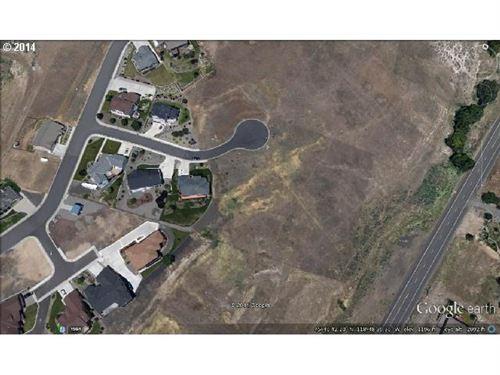 Photo of 2208 NW INGRAM AVE, Pendleton, OR 97801 (MLS # 14103442)