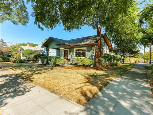 Photo of 1906 NE 52nd AVE, Portland, OR 97213 (MLS # 21367443)