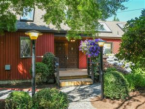 Photo of 4241 SW 41ST AVE, Portland, OR 97221 (MLS # 19108451)