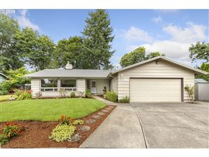 Photo of 1834 SE 111TH AVE, Portland, OR 97216 (MLS # 19623451)