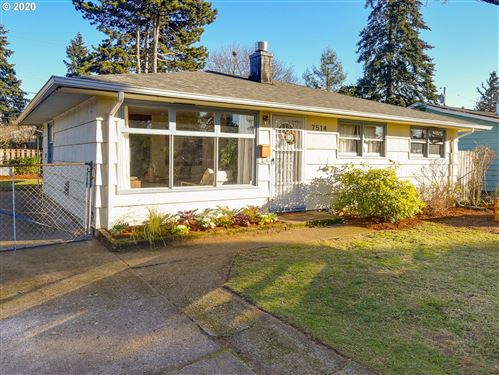 Photo of 7514 SE 68TH AVE, Portland, OR 97206 (MLS # 20137451)