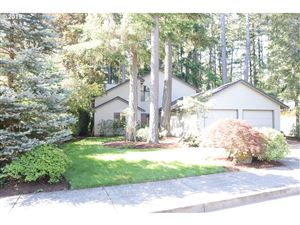 Photo of 17736 SW Pointe Forest CT, Beaverton, OR 97006 (MLS # 19164452)