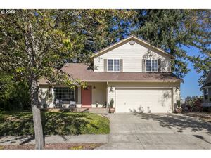 Photo of 2127 NE VILLAGE CT, McMinnville, OR 97128 (MLS # 19010453)