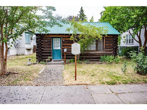 Photo of 319 W 9TH, The Dalles, OR 97058 (MLS # 20033455)