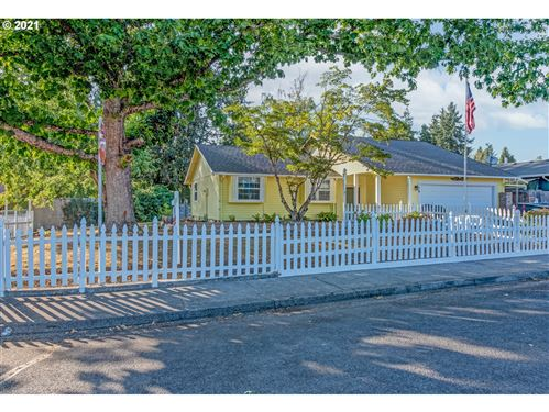 Photo of 81 N EVERLY ST, Lowell, OR 97452 (MLS # 21263457)