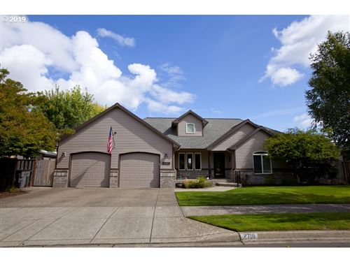 Photo of 2718 NW PINOT NOIR DR, McMinnville, OR 97128 (MLS # 19001460)
