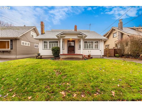 Photo of 31 NE 43RD AVE, Portland, OR 97213 (MLS # 19138460)