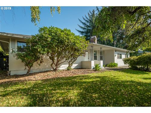 Photo of 10891 SE SPRUCE VIEW LN, Happy Valley, OR 97086 (MLS # 19377460)